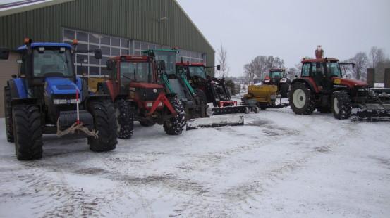 Loonbedrijf van den Berg staat klaar met Zoutstrooiers en Sneeuwschuivers